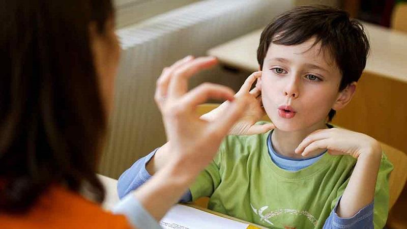 شیوه گفتوگو با افراد دچار لکنت زبان